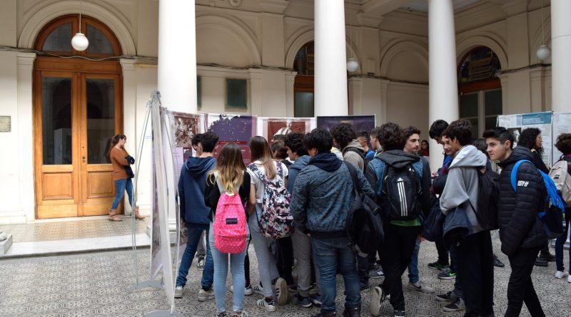 """Más de 350 estudiantes del Colegio visitaron la muestra """"Ana Frank: Una historia vigente"""""""