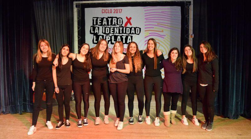 """Estudiantes del Colegio participan en el ciclo 2017 de """"Teatro x la Identidad"""""""