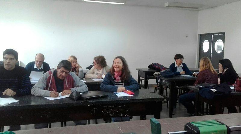 Docentes de Ciencias Exactas del Colegio se capacitan en el uso de TICs