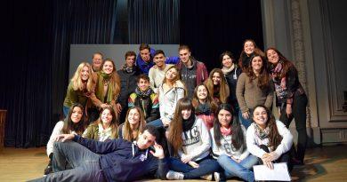 """El """"Taller de actuación. Teatro, ideología y sociedad"""" se presentó en el Salón de Actos"""