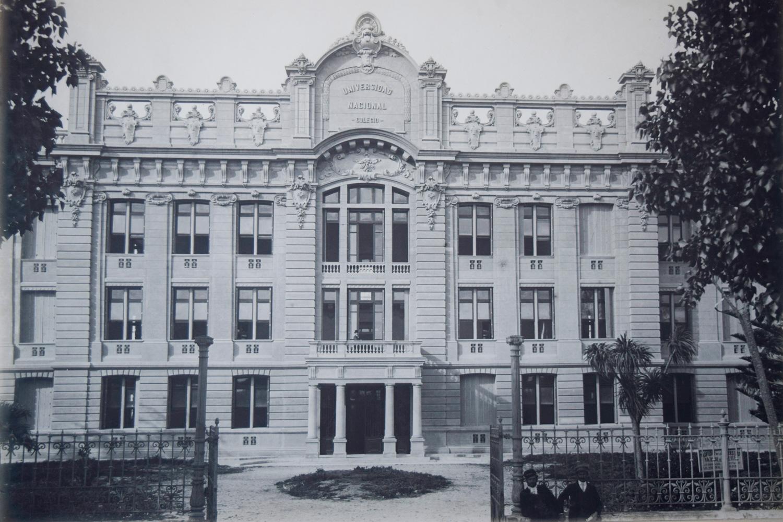 """Colegio Nacional """"Rafael Hernández"""""""